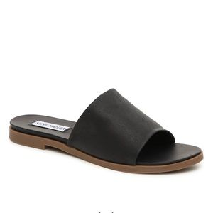 NWT leather Steve Madden sandals